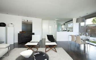 ceramic tile    weathered wood interiorzine