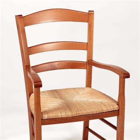 chaise en bois avec accoudoir fauteuil en bois rustique et paille brocéliande 4 pieds tables chaises et tabourets