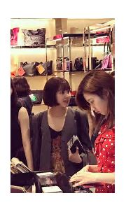 Oblivious Fans Walked Right Past TWICE Mina While ...