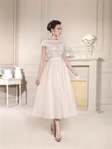 annees de mariage les 25 meilleures idées de la catégorie robes de mariée des ées 50 sur robes