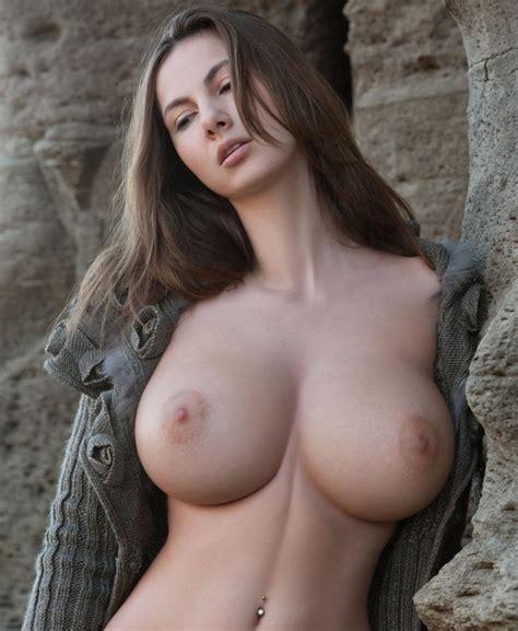 Impressive Brunette Porn Pic EPORNER