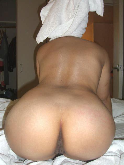 Instantfap Milf Posing Her Sexy Ass