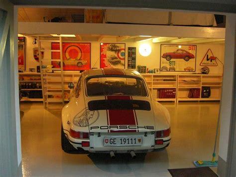 porsche garage decor porsche garage man caves pinterest porsche 911 cars