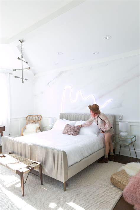 vintage pastel room decor simple art design