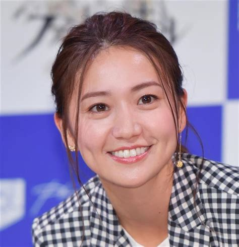 Oshima yuko on a trip to mexico. NHK「スカーレット」大島優子演じる熊谷照子の初恋の人は ...
