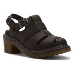 Women's Closed Toe Sandals