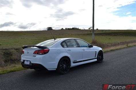 holden commodore review  ssv redline craig lowndes
