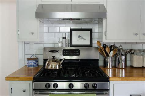 farmhouse kitchen lighting 19 inexpensive ways to fix up your kitchen photos huffpost 3705