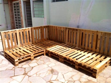 Pallet Settee by Diy Pallet Sectional Sofa For Patio