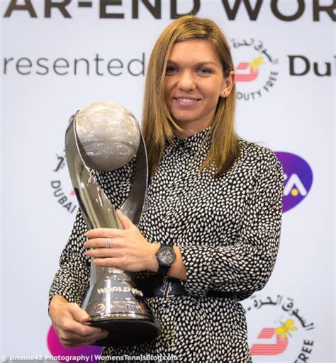 Simona finishes year-end No. 1 - Simona Halep