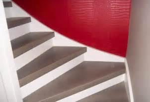 Moquette Marche D Escalier by Habillage Escalier Bois Avec Moquette Mzaol Com