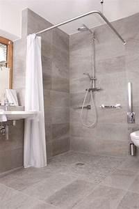 Begehbare Dusche Dachschräge : die besten 25 ebenerdige dusche ideen auf pinterest begehbare badewanne traumhafte ~ Sanjose-hotels-ca.com Haus und Dekorationen