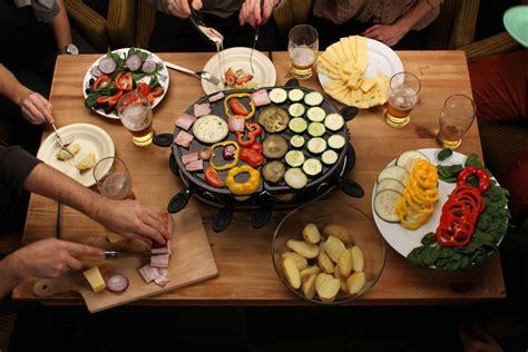 cuisine raclette recette originale idée de recette pour vos soirées raclette culture food
