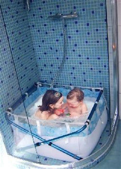 une baignoire pour enfants dans la avec bibabain