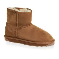 womens boots emu emu stinger mini sheepskin boots chestnut free uk delivery