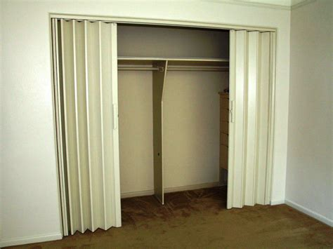 Make Your Closet Look Great With These Closet Door Ideas