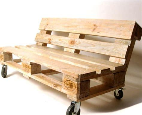 canapé palette bois le salon de jardin en palette en plus de 110 idées
