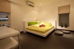 Go vap modern house yellow minimalist kids bedroom decoist for Modern house interior kids bedroom
