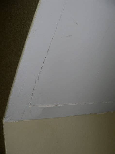 Cracks In Walls Around Windows House Wall Vertical Paint
