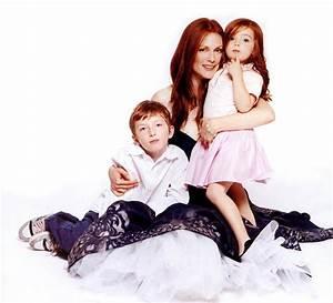 Julianne Moore with her son Caleb & daughter Liv - Bazaar ...
