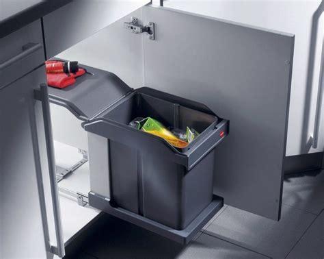 poubelle de porte cuisine 17 meilleures idées à propos de poubelle encastrable sur
