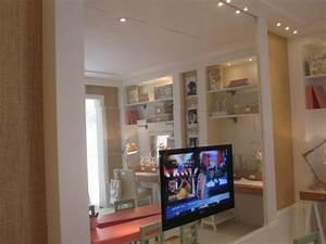 Wandregal Für Fernseher : der moderne fernseher an verschiedene interieurs anpassend ~ Michelbontemps.com Haus und Dekorationen