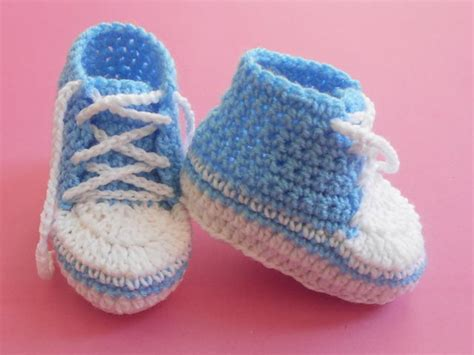close up christmas level 7 baby converse booties allfreecrochet com