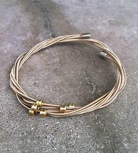 Plektrum Selber Machen : recycled guitar string bracelet jewelry klunker pinterest armband schmuck und gitarre ~ Orissabook.com Haus und Dekorationen