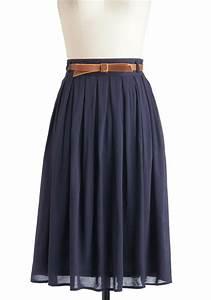 Navy blue skirt | Good Looks | Pinterest