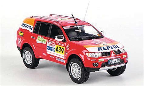 Kaos Rally Dakar Mitsubishi Pajero mitsubishi pajero miniature sport dakar team service car