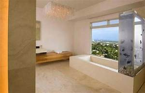 Kanye West lowers the price of his Hollywood Hills
