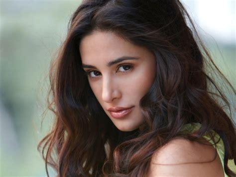 Nargis Fakhri Discusses Sex Drugs Mom