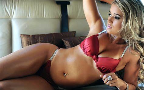 Saints Row 3 Wallpapers Hot Brazil Model Aryane Steinkopf Mma Ring Girl Bodybuilding Wallpapers Ufc Ring Girls