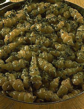 cuisiner les crosnes crosnes sautés pour 4 personnes recettes à table