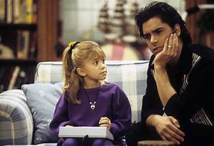 Full House Zwillinge : fuller house has given up on trying to get the olsen twins time ~ Orissabook.com Haus und Dekorationen