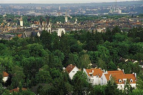 la nature wiesbaden germany wiesbaden view overlooking city from neroberg david sanger photography