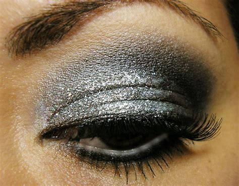 eye eyeshadow glitter makeup silver smokey image