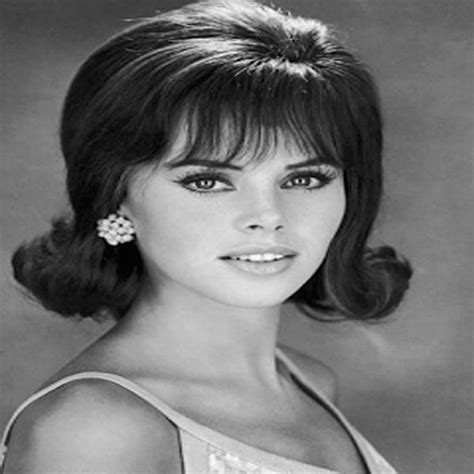 1960s hair style coolest 1960s hairstyles for hairstylesco 1588