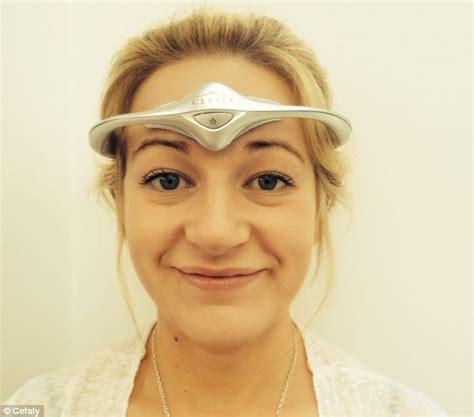 headaches at before bed migraine headband banishes crippling headaches using
