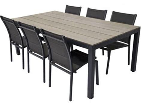 chaises de jardin en soldes table et chaise jardin pas cher les cabanes de jardin