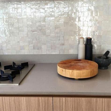 zellige de cuisine zellige blanche crédence de cuisine matériaux déco