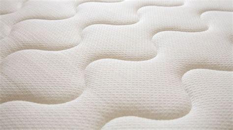 pulizia materasso pulire il materasso con i rimedi naturali pulizia