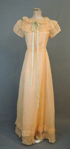 foto de Vintage 1930s Gown Peach Organdy Dress with Rayon Satin