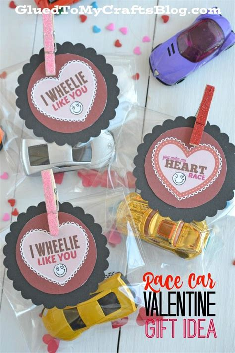 race car gift idea w free printable glued to 726   ac4203551747fa0dd14df67911261f1f