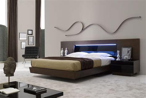 Metal Modern Queen Bed Frame  Editeestrela Design