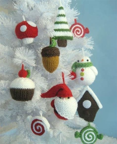 you have to see christmas ornament knit pattern set by amy
