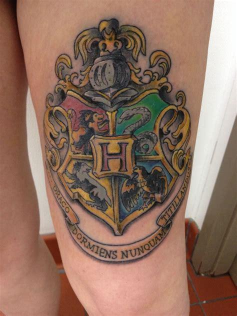 hogwarts crest thigh tattoo tattoos harry potter