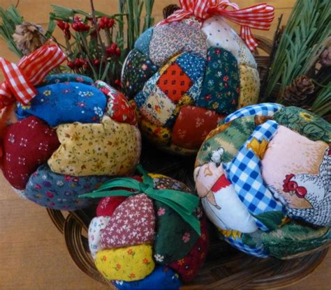 quilted christmas ball ornaments allfreechristmascrafts com