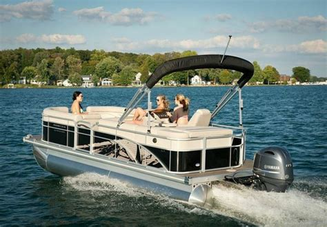 Bennington Pontoon Boat In Rough Water by New 2015 Bennington Pontoon Boat With Shatter Effect