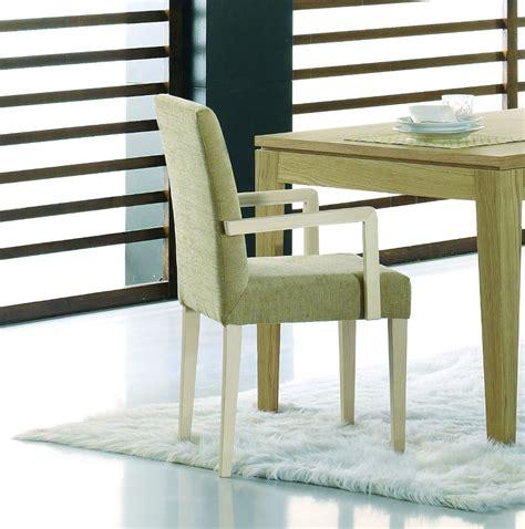 chaise en bois avec accoudoirs brin d ouest